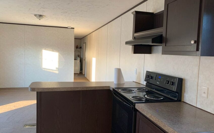 2018 fleetwood  set up at meadowlands mhp- 6mos free lot rent